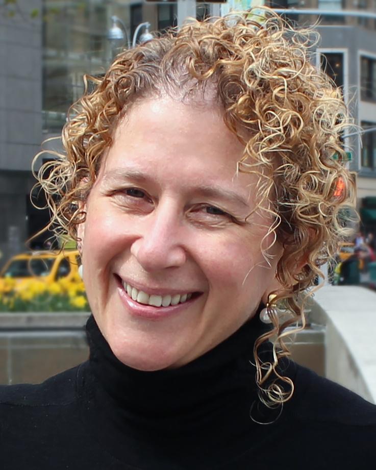 Iris Derke headshot